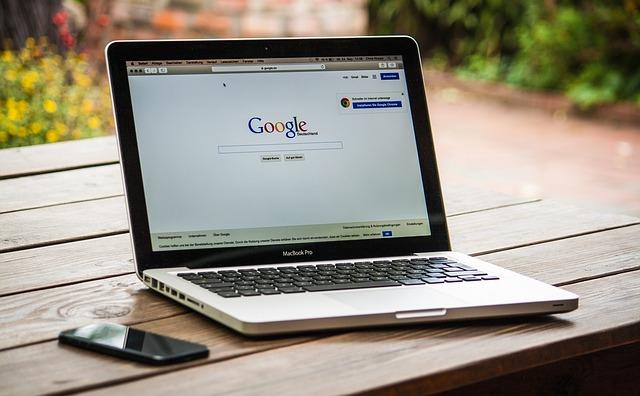 Hyperlinksetzung auf Website zu urheberrechtlich geschützten Werken – Urheberrechtsverletzung?