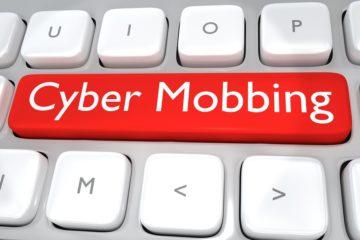 """Schmerzensgeld bei """"Internet-Mobbing"""""""