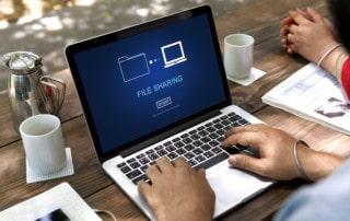 Teilnahme an einer Internet-Tauschbörse durch Jugendlichen: Aufsichtspflichtspflichtverletzung der Eltern