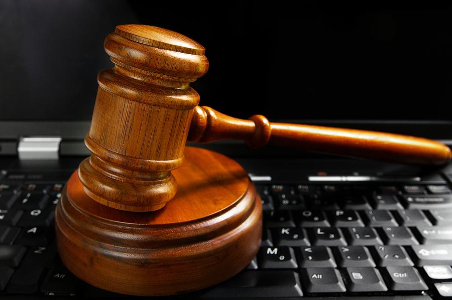 Ortsabwesenheit des Internet-Anschlussinhabers im Zeitpunkt der Urheberrechtsverletzung